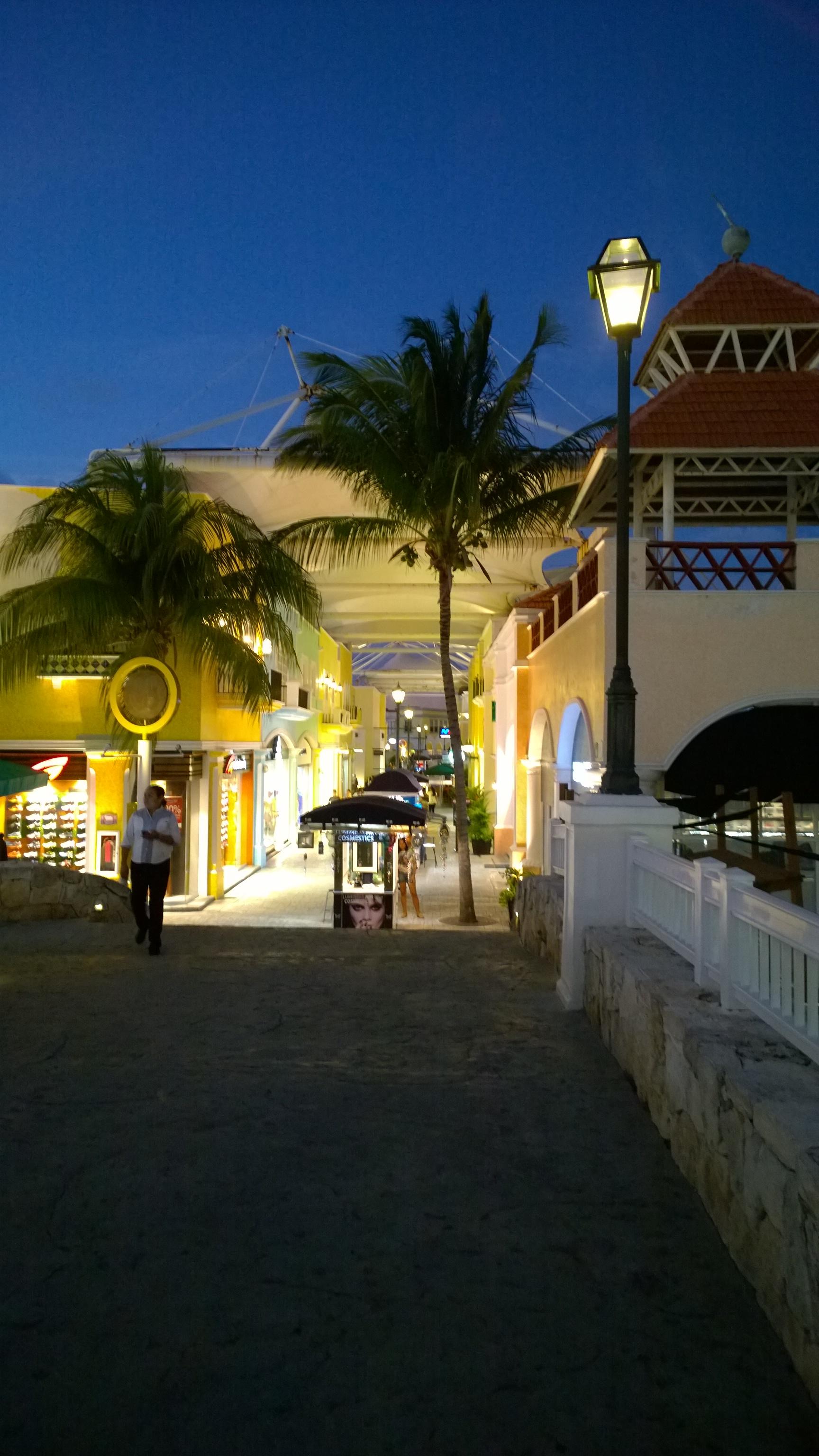 cancun mexiko uhrzeit